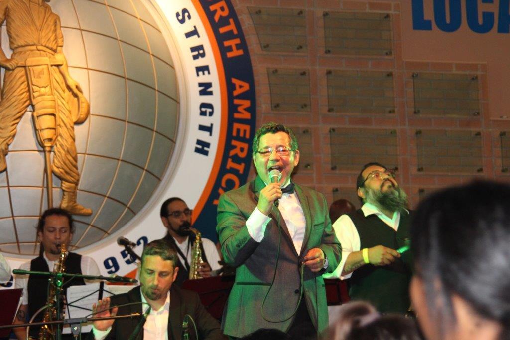 520382f38 En fiesta de gala se entregaron becas a jóvenes de origen hispano ...