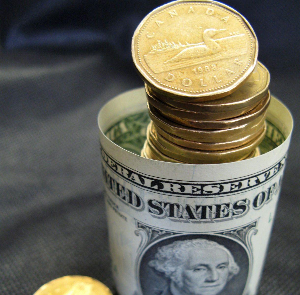 Dólar Cananse Y Peso Mexicano Pierden Valor Por Amenazas De Trump