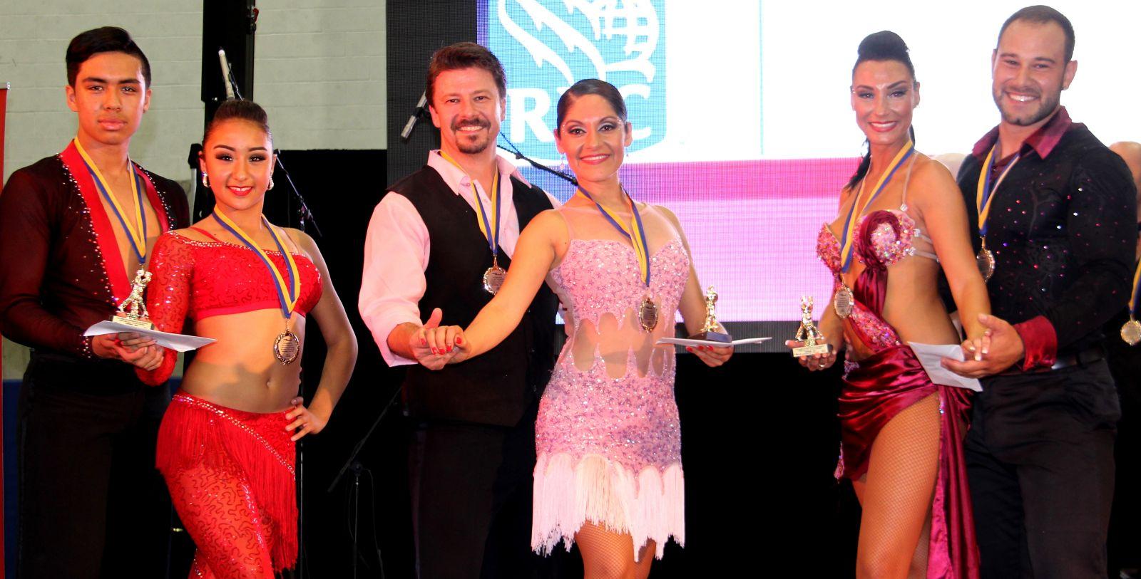 Fantástico Vestidos De Baile Canadá Bandera - Colección de Vestidos ...