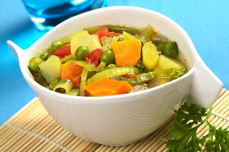 La portada canad sopa de vegetales for Cuchara para consome